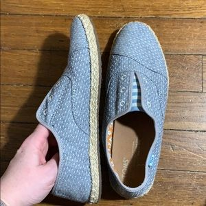 TOMS palmera slip on chambray dot size 7 woman's